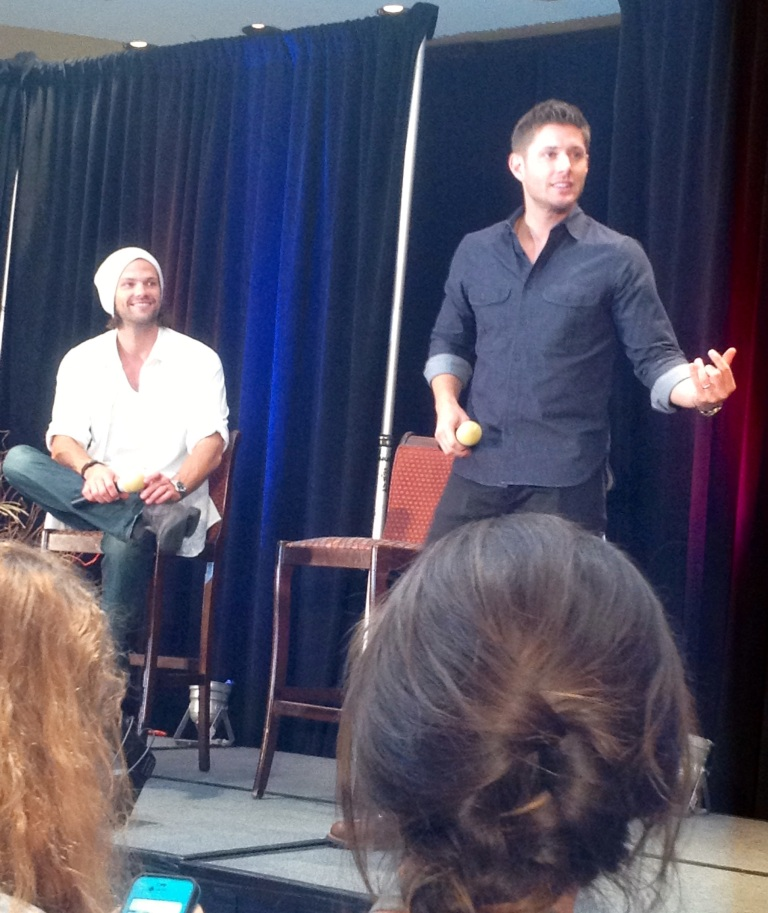 Jensen gets his nerd on with air guitar