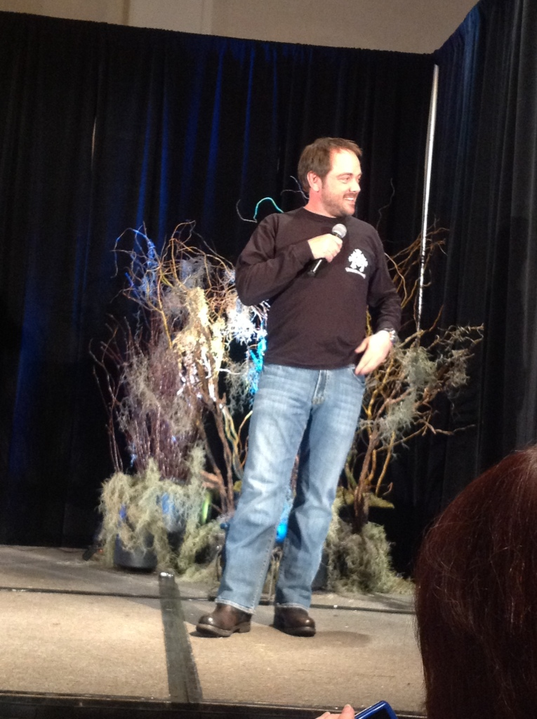 Mark Sheppard Looking as Sassy as Crowley