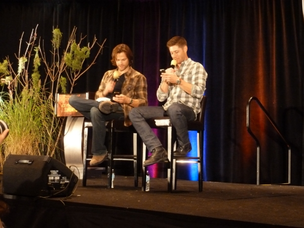 J2 check their own ringtones