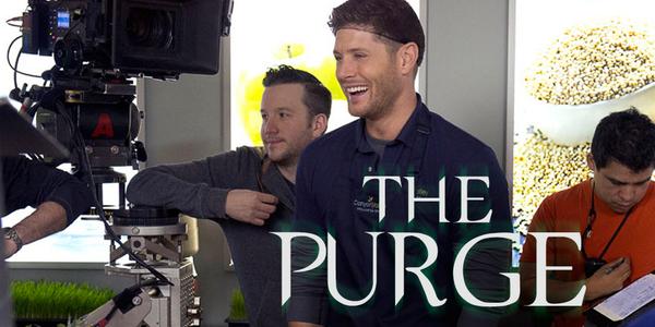 Warner Bros/The CW behind the scenes pic