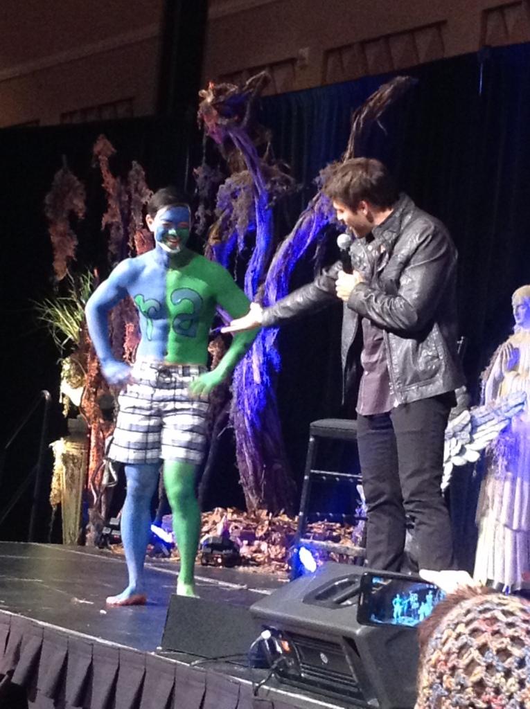Misha admires Osric's fannish commitment