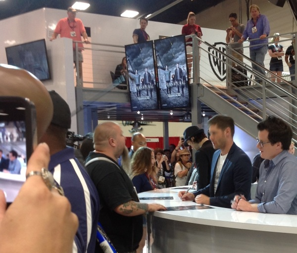 Jensen and Jeremy sign for fans
