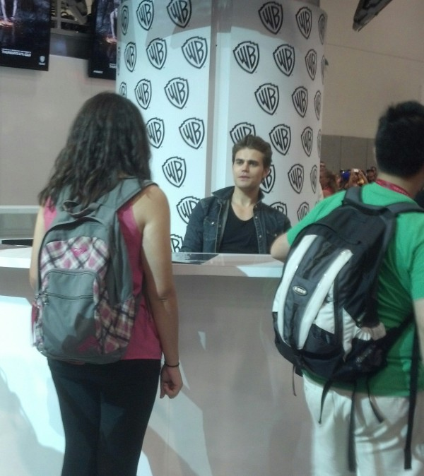 Paul Wesley signs for fans