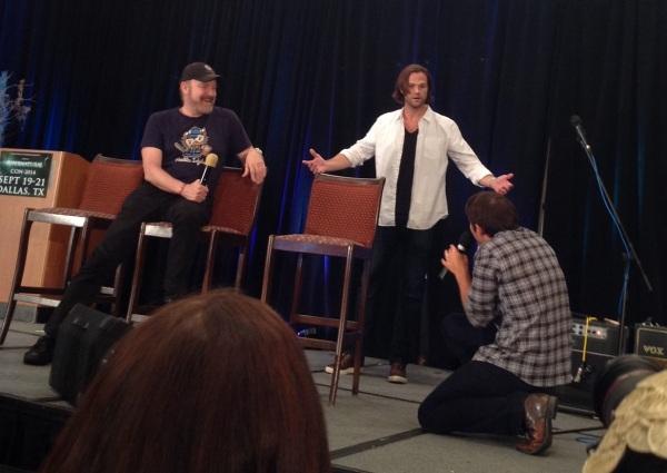 Misha bows down to Jared