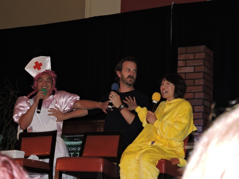 Osric, Richard and Lauren get touchy