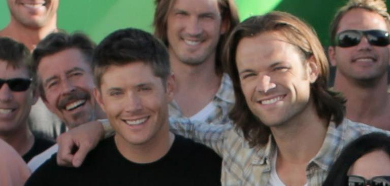 Jensen and Jared adding their smiles (tweet moonlightinvan)
