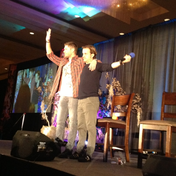 Jensen in his RA tee shirt and Richard thank fans