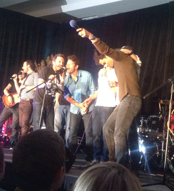 Misha sings backup at VanCon14