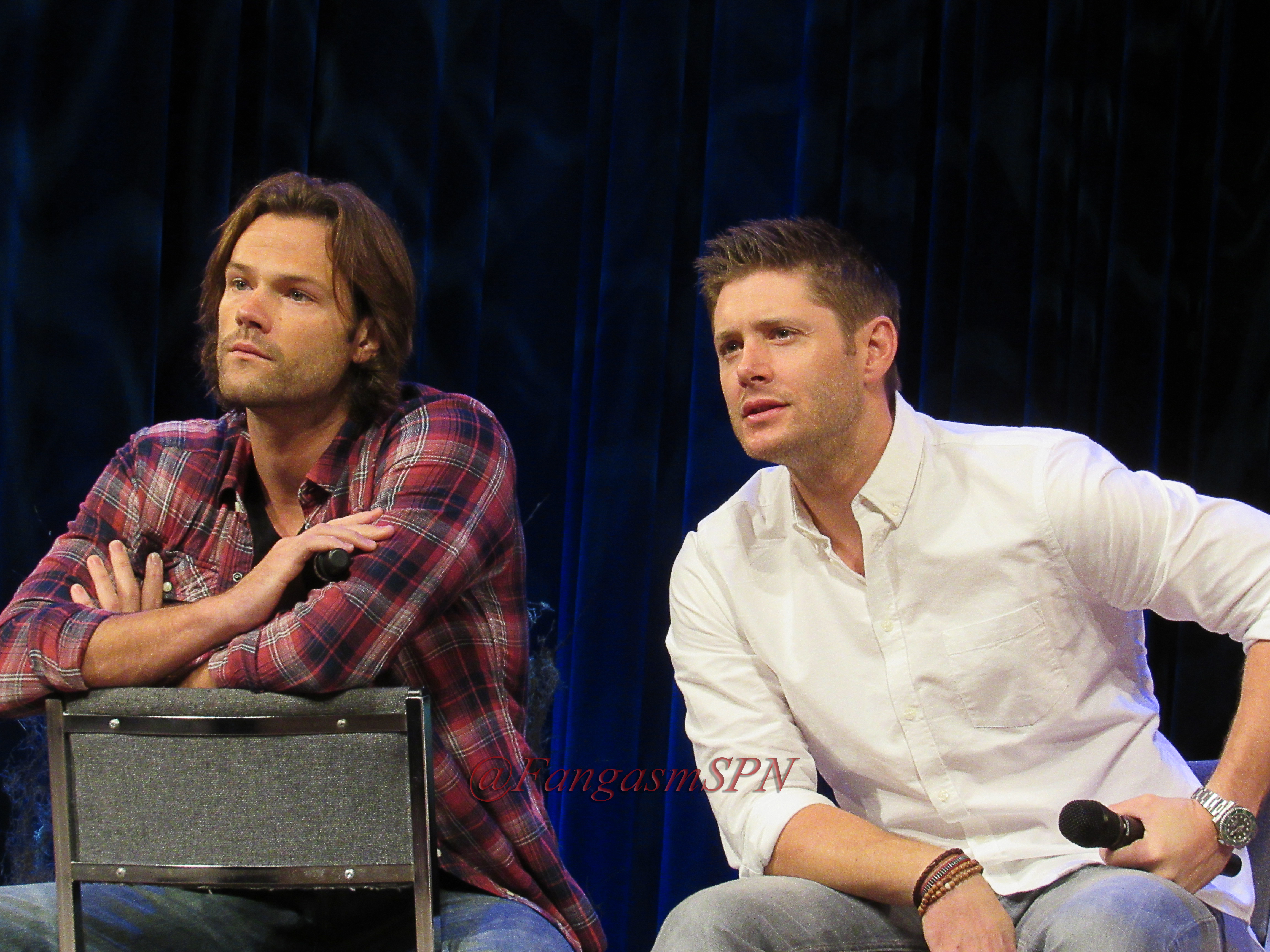 Jared jensen and misha at an emotional minncon with j and j meet j2 serious kristyandbryce Images