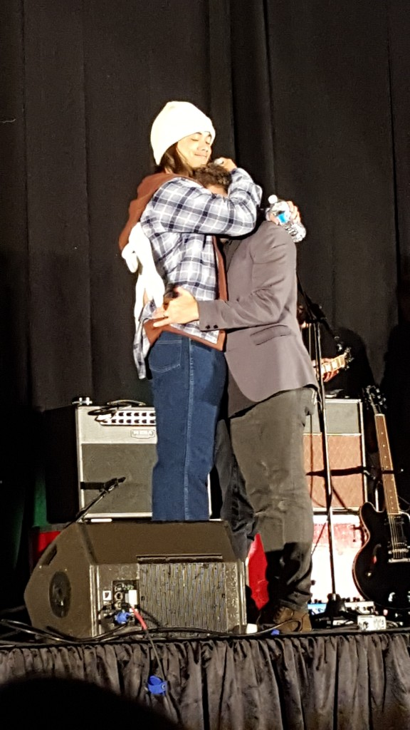 Osric (as Sam) hugs Rob