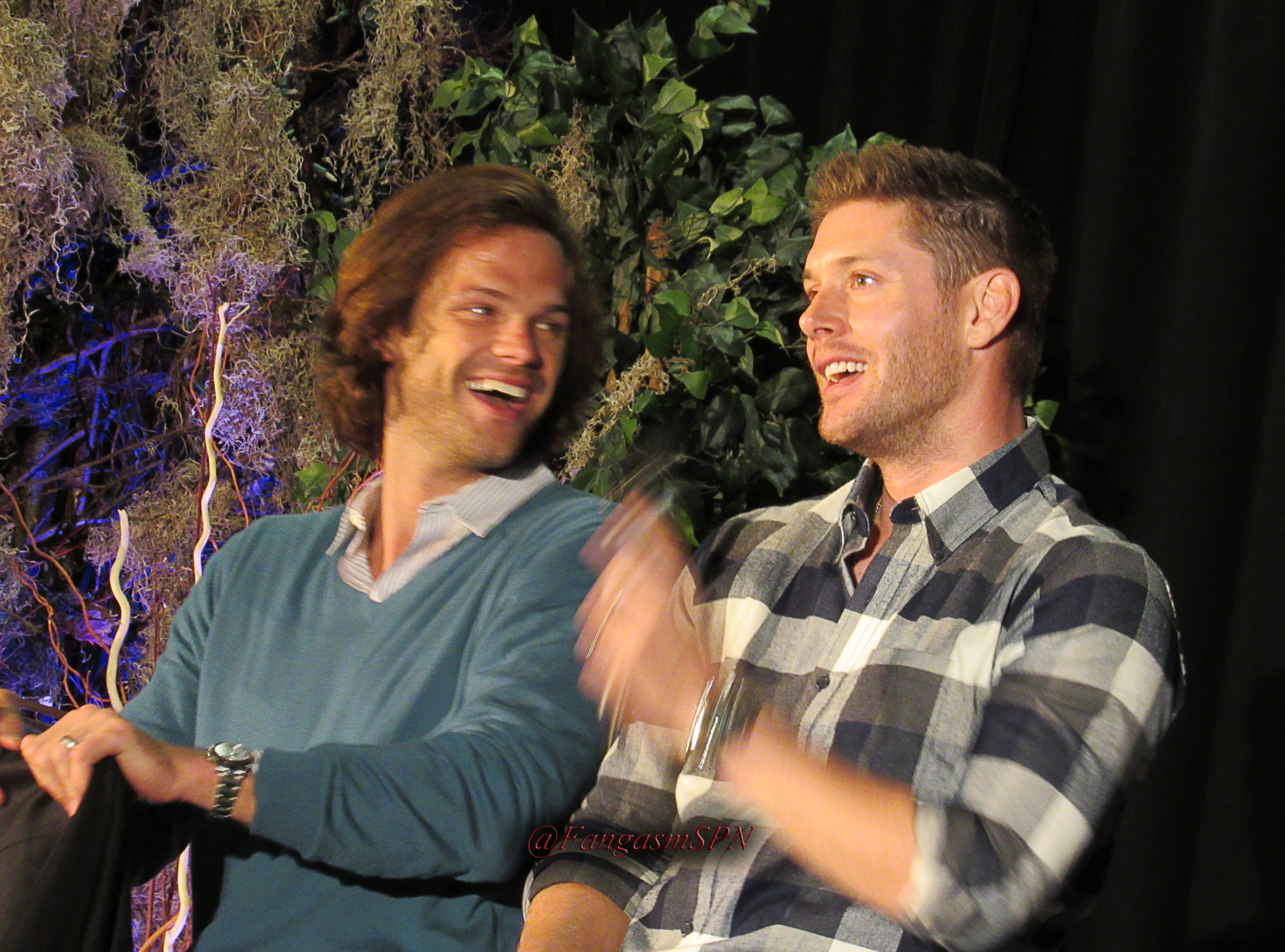 Jared and jensen torcon meet and greets sam and dean in this torcon2015331wm kristyandbryce Images
