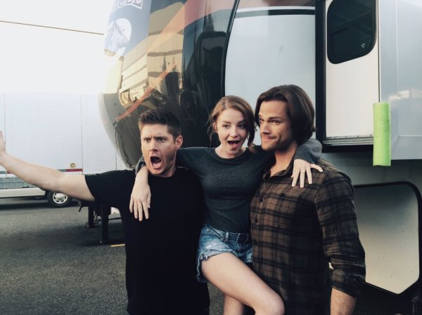 Samantha Isler with Jared and Jensen on set
