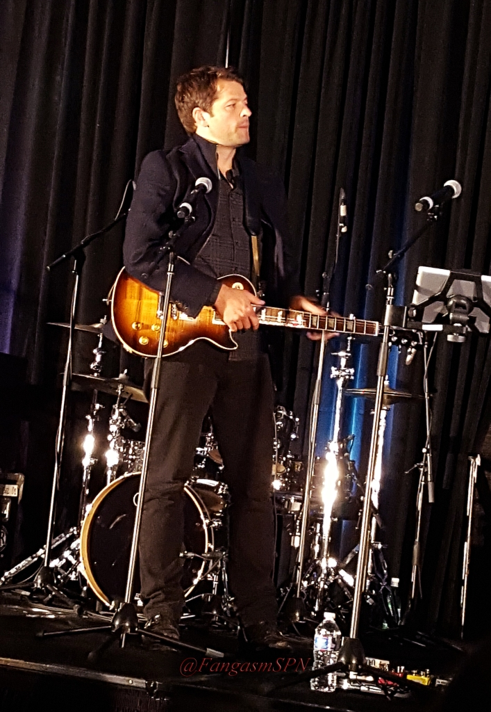 chicon_2015_and_phone_to_10_15_1578_WM