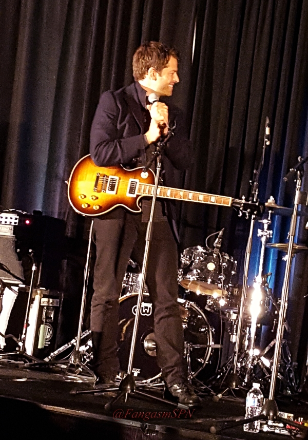 chicon_2015_and_phone_to_10_15_1590_WM