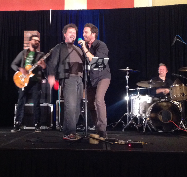 Singing with Rob at Chicon